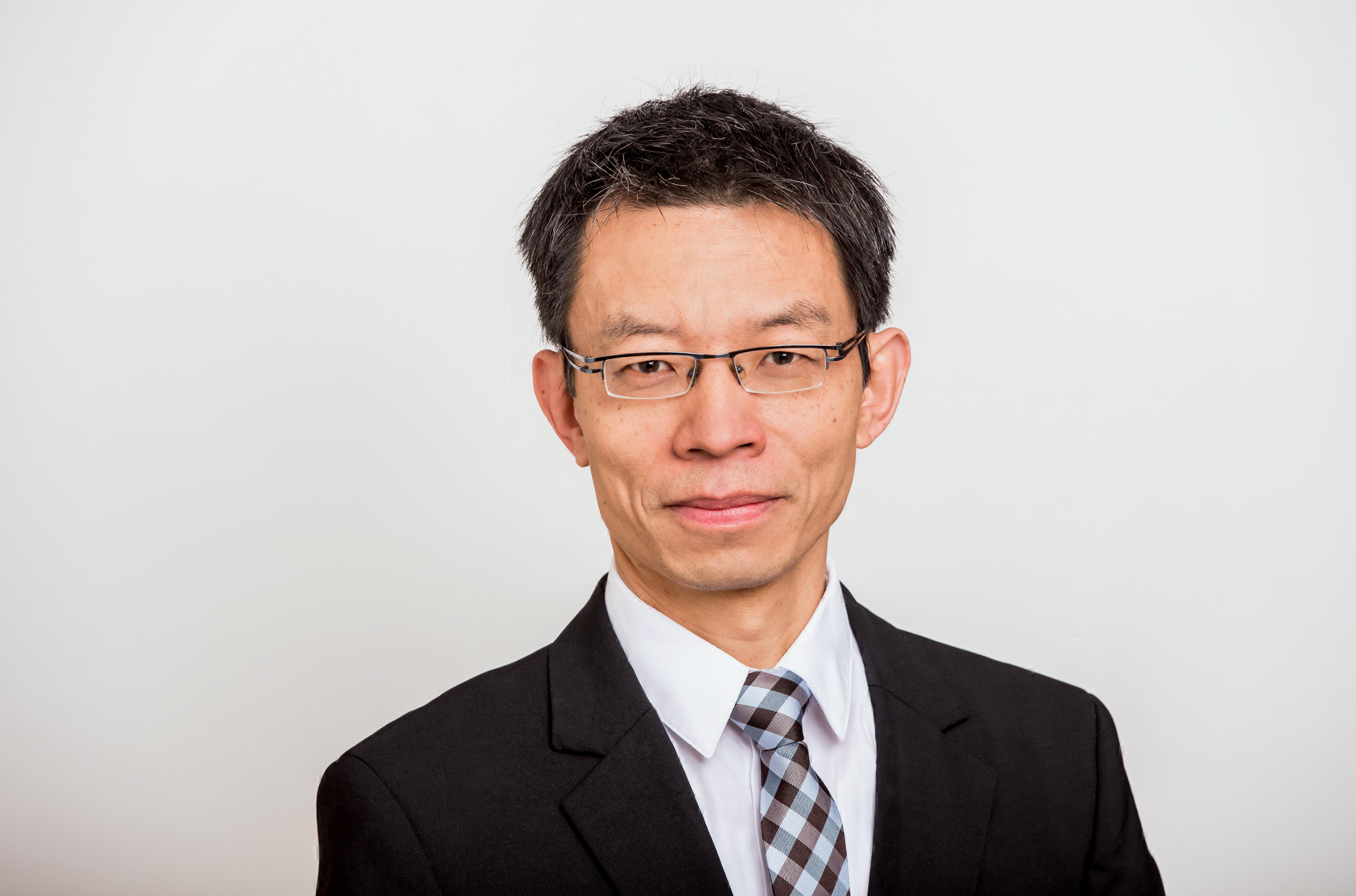 Simultanübersetzer, Dolmetscher Chinesisch, Trainer und Berater